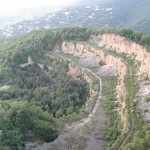 Fleißige Kletterer am Steinbruch